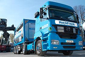 Transportgüter Intermodalverkehr flüssige Güter